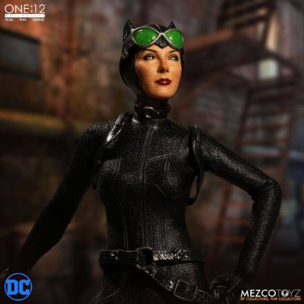 Mezco One:12 Collective Catwoman Action Figure